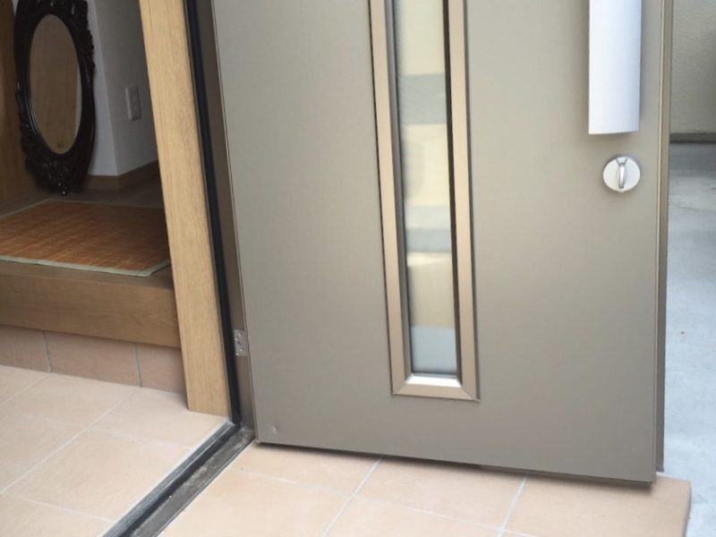 15-10 玄関ドア へこみ補修